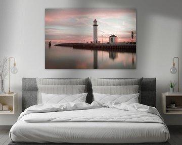 Leuchtturm bei Sonnenuntergang von Miranda van Hulst