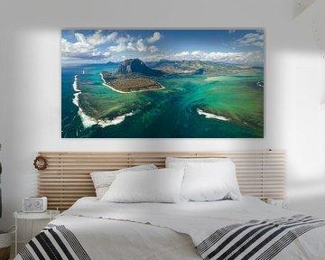 LP 71334171 De beroemde onderwaterval bij le Morne, Zuidkust Afrika van BeeldigBeeld Food & Lifestyle