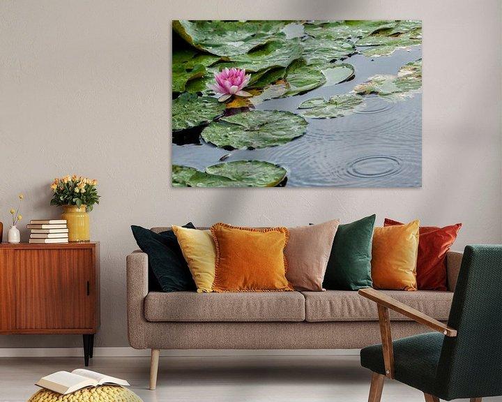 Impression: Water lilly in the rain sur Pieter van Roijen