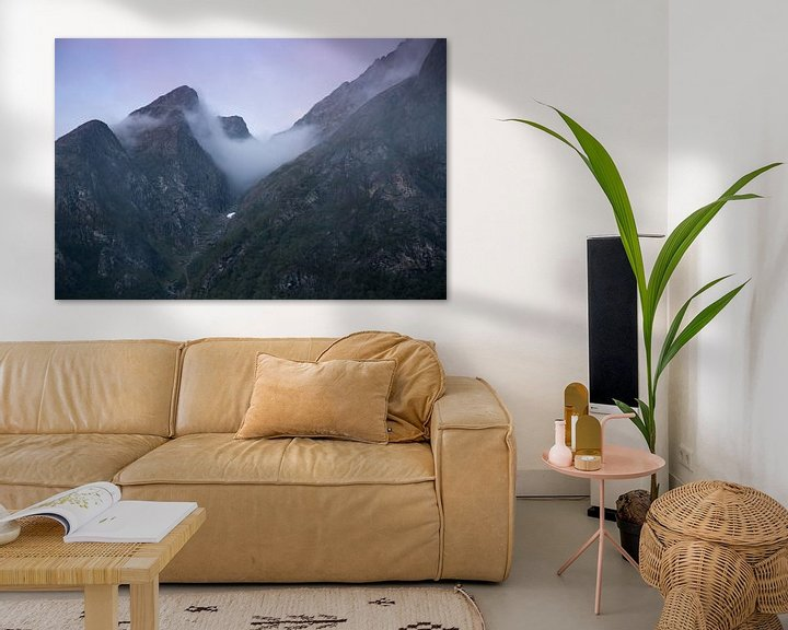 Sfeerimpressie: Zonsondergang in de bergen van Noorwegen van Karijn   Fine art Natuur en Reis Fotografie