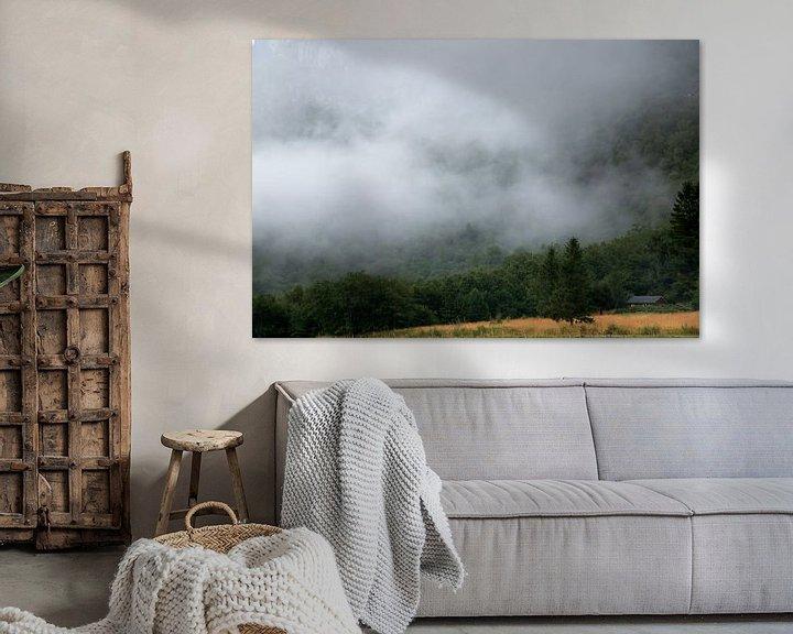 Sfeerimpressie: Mistige bergen in Noorwegen van Karijn | Fine art Natuur en Reis Fotografie