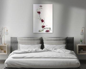Zwevende bloemen in balans van Angelique van Kreij