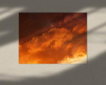 Nuages d'orange sur Caroline Lichthart
