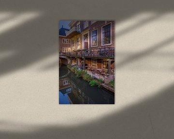 Avond Kromme Nieuwgracht Utrecht, stadstuin aan de werf van André Russcher