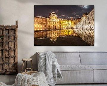 Glaspyramide im Innenhof des Musée du Louvre, Paris von Christian Müringer