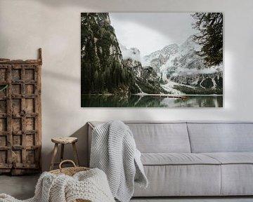 Lago di Braies, Dolomieten Italië   Kleurrijke reisfotografie   van Trix Leeflang