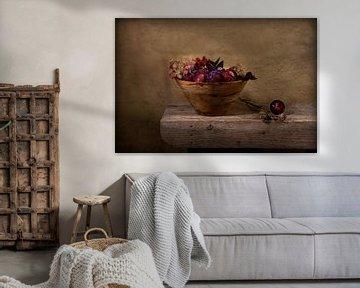 prunes and autumn.... stillife ( studiofoto) van Els Fonteine