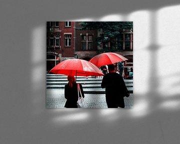 Rode paraplu's in Amsterdam