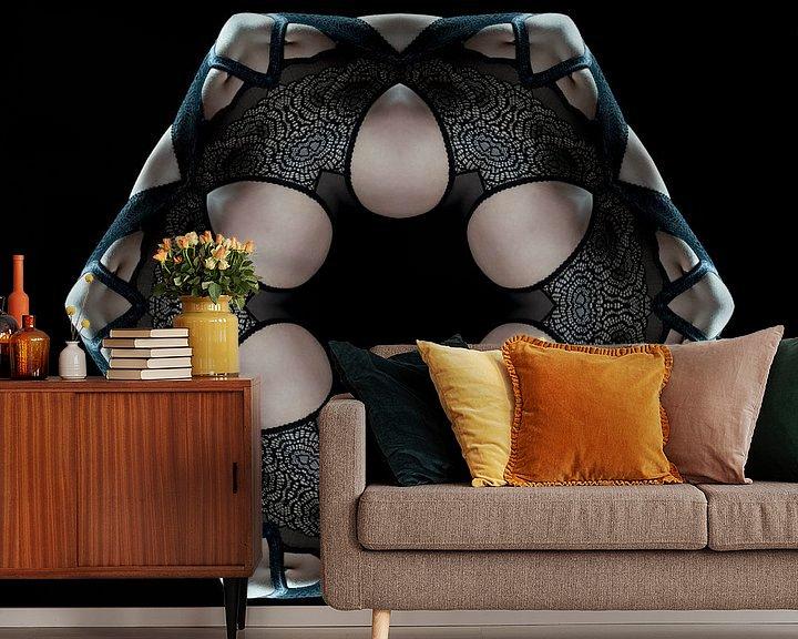 Sfeerimpressie behang: Vrouw in kanten ondergoed (Kaleidoscoop) van Carl Remmers