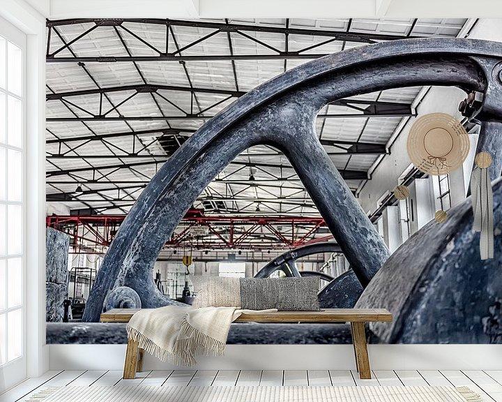 Sfeerimpressie behang: aandrijfwielen om cokes te maken van Okko Huising - okkofoto