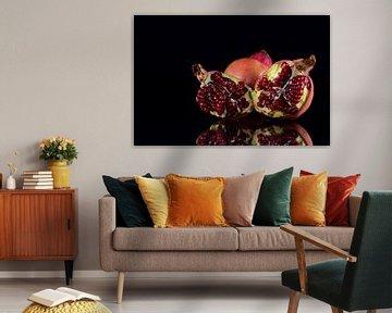 Granatapfel spiegeln sich von Ulrike Leone