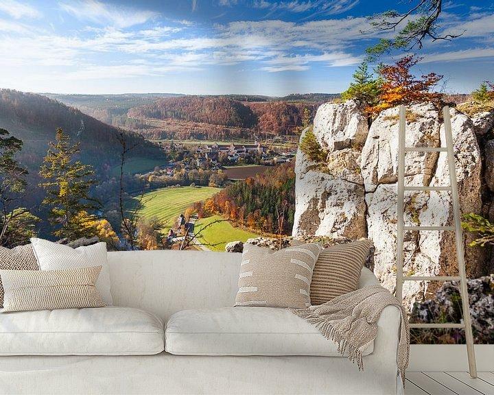 Sfeerimpressie behang: Altstadtfels bij Beuron in de Donauvallei van Jan Schuler