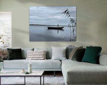 Eenzaam bootje van Emma Van Leur