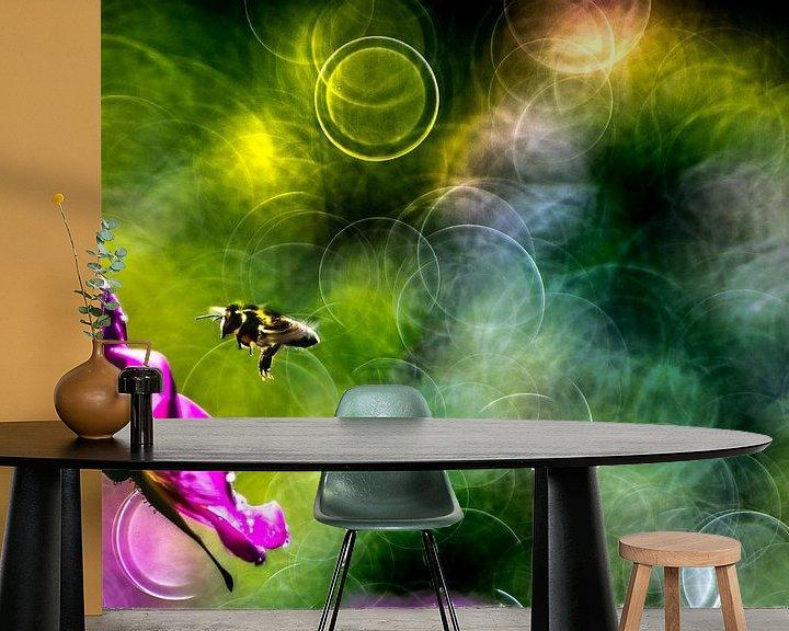Beispiel fototapete: Biene von Udo Wanninger limitiete Auflage