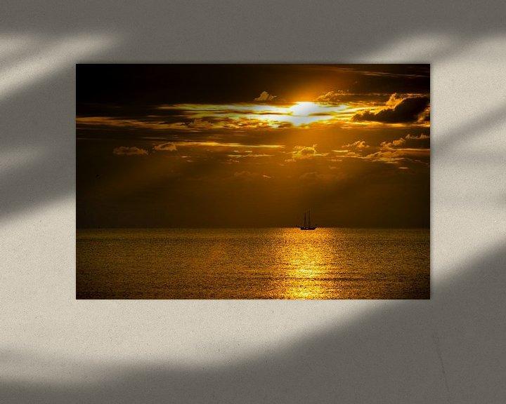 Beispiel: Ein Segelboot am Horizont von Stephan Zaun