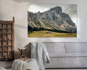 Berghut bij Peitlerkofel in de Dolomieten van Expeditie Aardbol