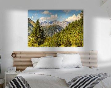 Uitzicht op de bergen Oostenrijk van Pauline Paul