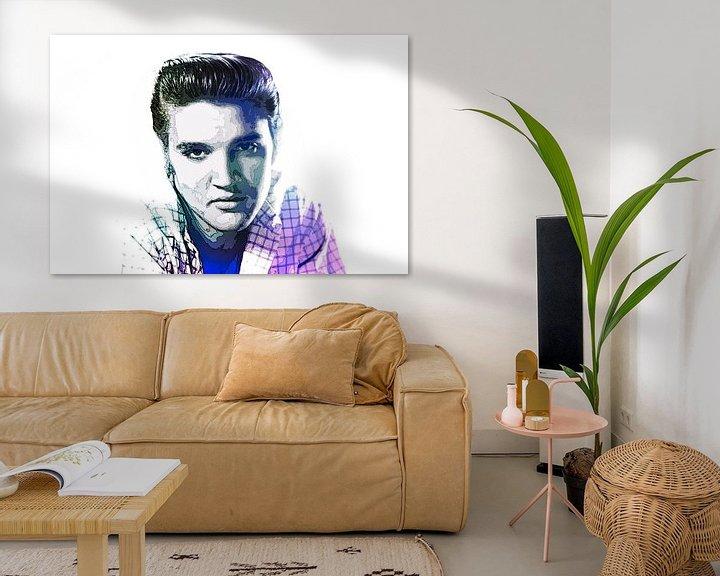 Beispiel: Elvis Presley Abstraktes Pop-Art-Portrait in Blauviolett von Art By Dominic