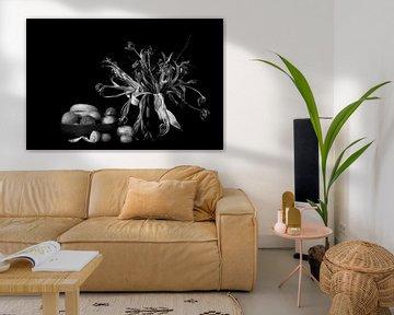 Stilleben mit Tulpen und Mandarine von Maerten Prins