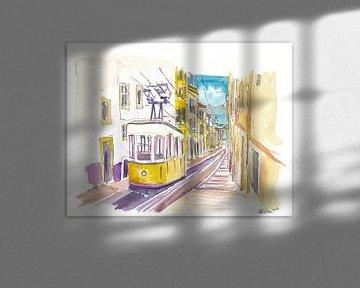 Unvergessliche Fahrt mit der gelben Straßenbahn in Lissabon in Portugal von Markus Bleichner