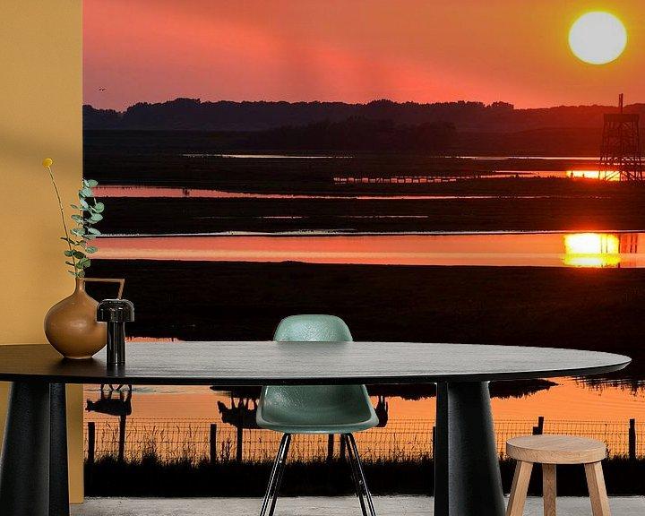 Sfeerimpressie behang: Zonsondergang bij de inlaag aan de Oosterschelde van Filip Staes