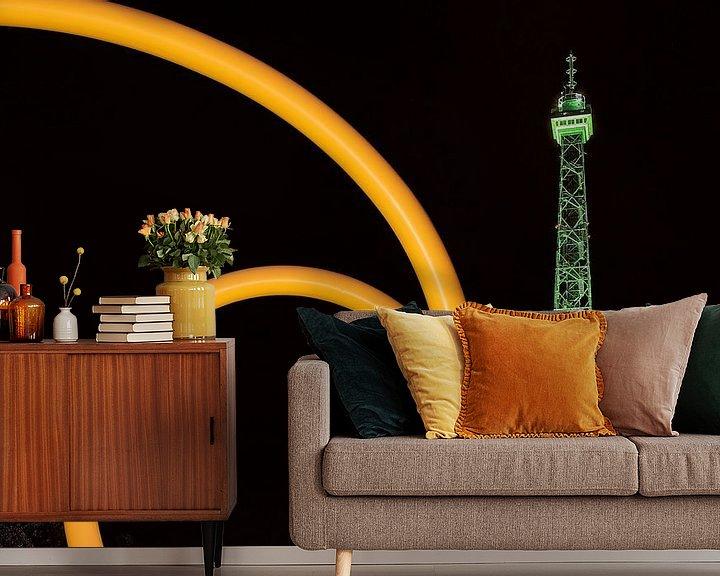 Impression: La tour de radio de Berlin sous un éclairage vert sur Frank Herrmann