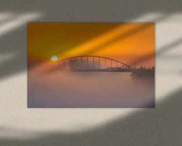 Zonsopkomst over John Frostbrug Arnhem van Thijs Vermeer