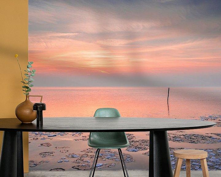 Sfeerimpressie behang: Zonsondergang aan het Ijsselmeer van Bert Nijholt