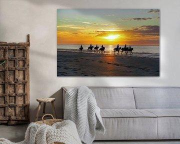 Paardrijden met zonsondergang van Verhagefotografie