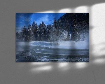 Zugefrorener Fluß im Morgennebel van Christiane Schulze