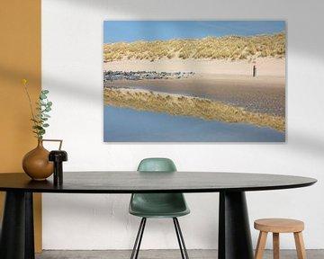 Spiegeling op het strand - Natuurlijk Ameland van Anja Brouwer Fotografie