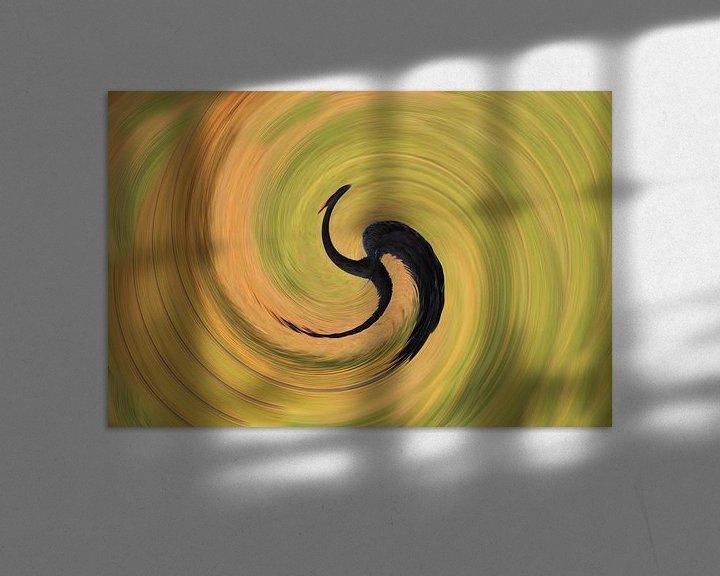 Sfeerimpressie: Verdraaide zwarte zwaan rond beeld abstracte kunst van Bobsphotography