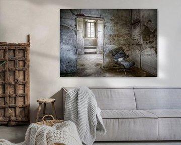 Kellerraum einer verlassenen Villa von Marcel van Balken