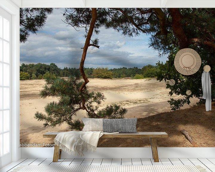 Sfeerimpressie behang: Naaldtak met zand van Maarten Krabbendam