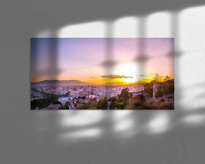 Sfeerimpressie: Malaga centrum tijdens zonsondergang - Andalusie, Spanje van Gerard van de Werken