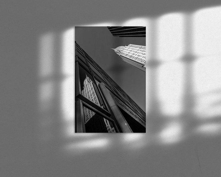 Sfeerimpressie: Chrysler Building New York Reflectie (Zwart-Wit) van JPWFoto