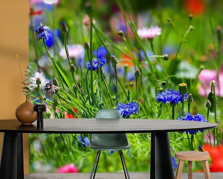 Sfeerimpressie behang: bloemenweide van fotoping