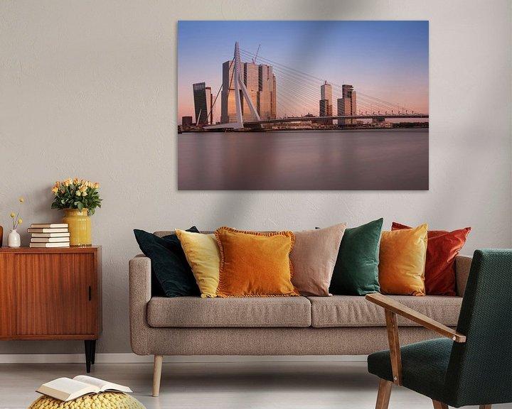 Sfeerimpressie: skyline van rotterdam van Ilya Korzelius