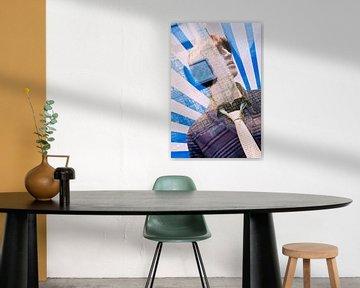 Mannenmode dummy in een etalage met reflection.jpg van Tony Vingerhoets