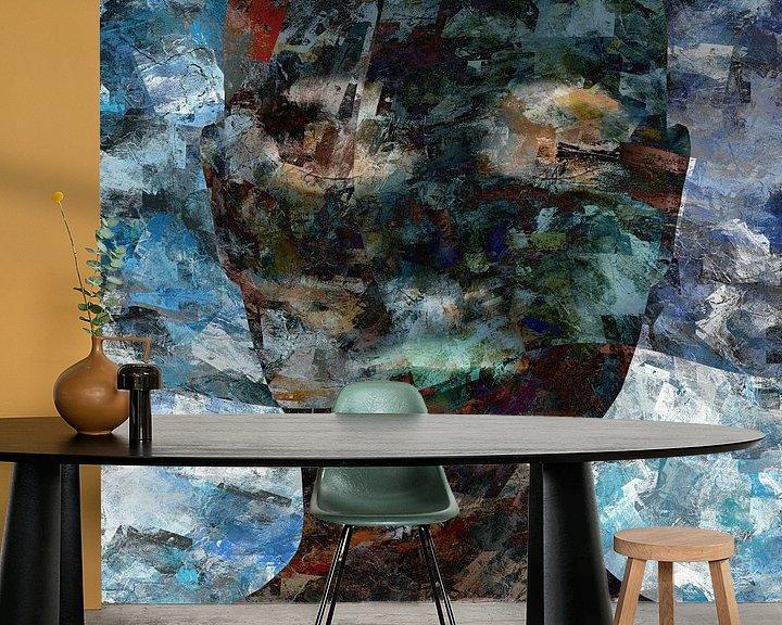Sfeerimpressie behang: Abstract grunge portret vrouw van Maurice Dawson