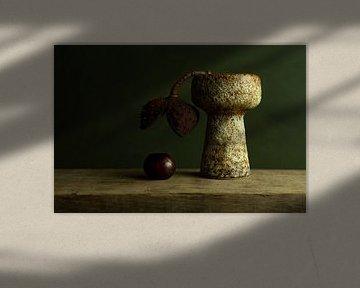Loslaten, authenthiek stilleven met kastanje