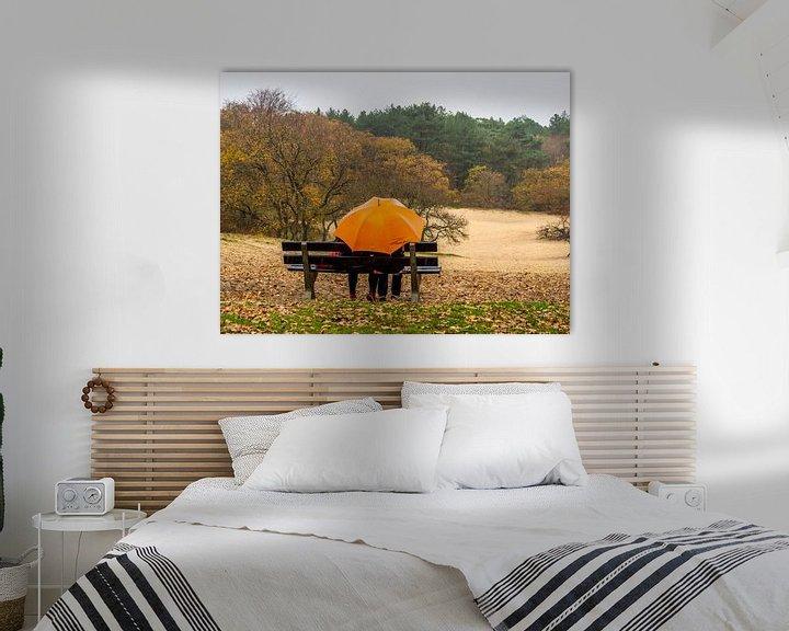 Beispiel: Orangefarbener Regenschirm von Martijn Tilroe