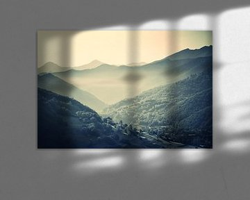 Mist in de bergen von Luuk de Vries