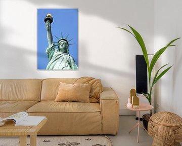 Het vrijheidsbeeld in New York op Liberty Island (close-up) van Ramon Berk
