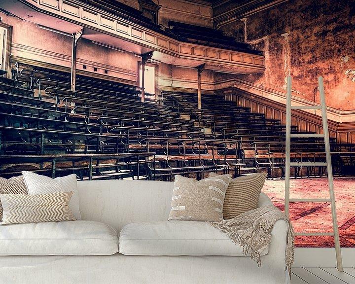 Beispiel fototapete: Hörsaal im Gebäude der Universität für abgelaufene Studiengänge in Belgien von Art By Dominic