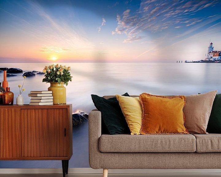 Sfeerimpressie behang: Zonsopkomst vanaf het eiland Marken van Fotografiecor .nl