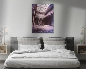 Treppenhaus mit Oberlicht und Sonnenlicht von Art By Dominic