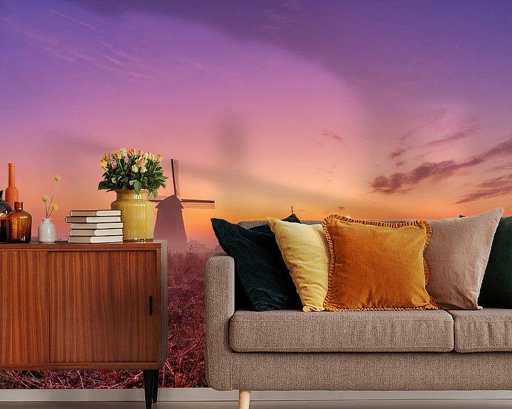 Sfeerimpressie behang: Kleurrijke zonsopkomst bij de Schermer molens van Photo Henk van Dijk