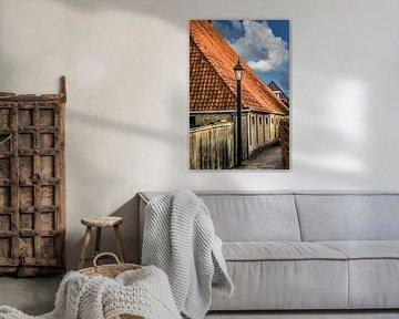 Gasse in der friesischen Stadt Hindeloopen am IJsselmeer von Harrie Muis