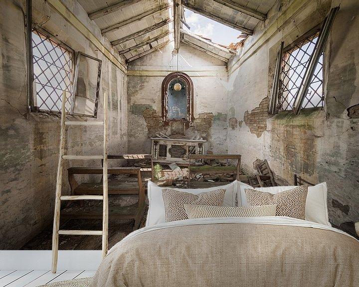 Beispiel fototapete: Verlassene Kapelle an einer Landstraße von Kristof Ven